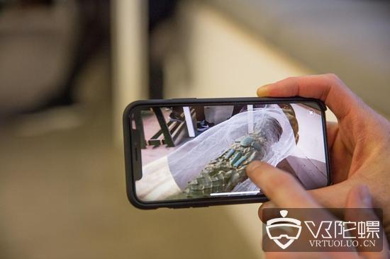 BBC为其纪录片推出首款AR应用,可通过手机探寻历史