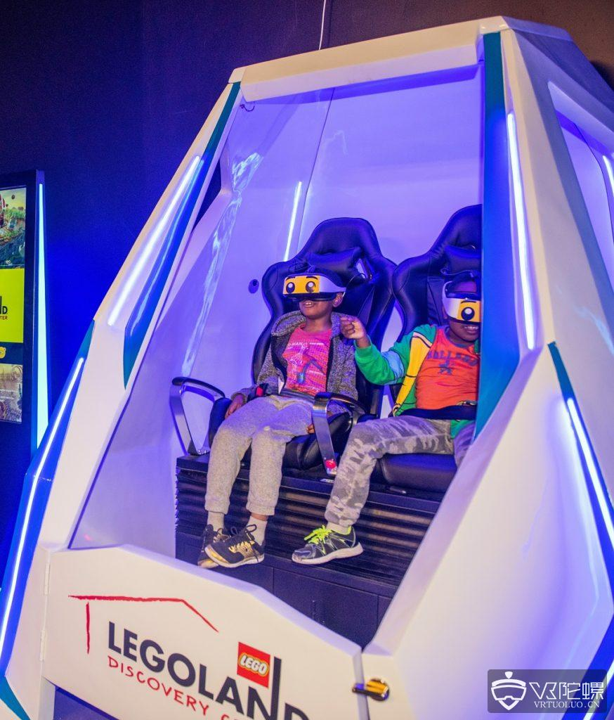 英国乐高主题公园推出VR赛车和星际旅游体验