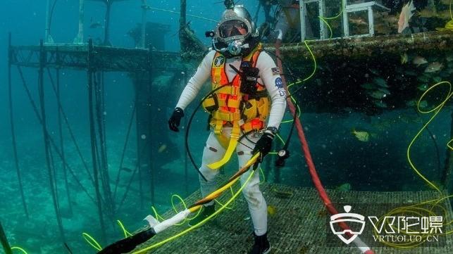 NASA与美国海军合作研发太空服AR显示器