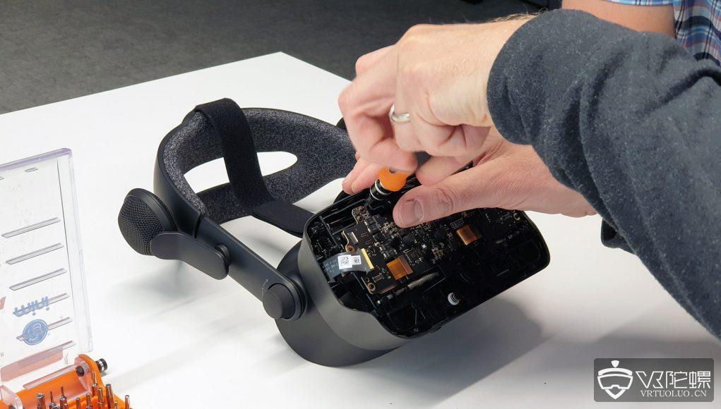 Valve Index拆机:展示屏幕柔光器和双晶光学组件