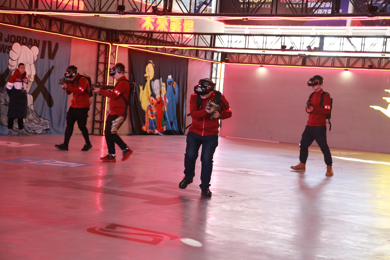 未来战场开启电竞2.0,1000m² VR大空间多人竞技