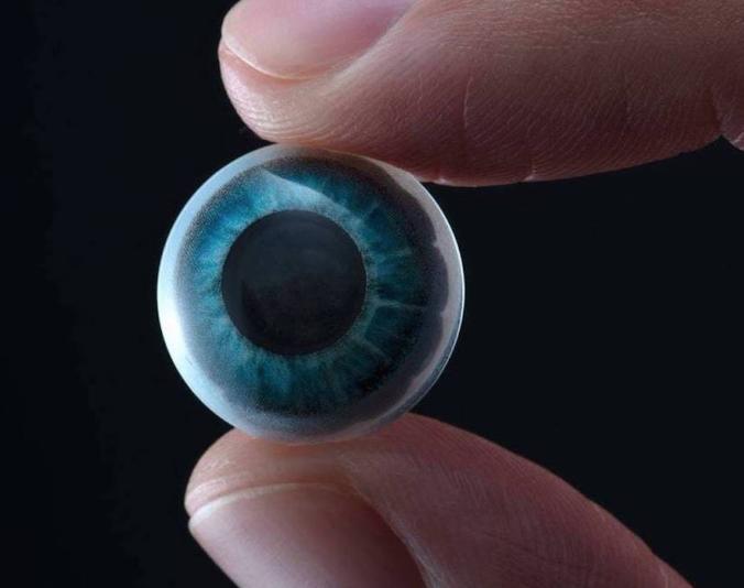 Mojo Vision实现隐形眼镜内置Micro LED AR显示屏