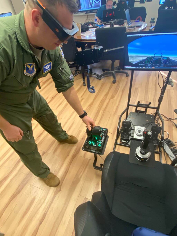 XR公司ThirdEye与3D Media签署空军合作合同