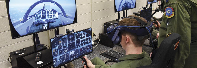 美国空军正在使用VR/AR技术进行培训及设备维护