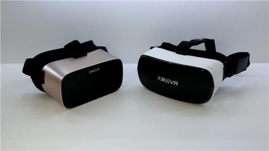 """【评测】天翼云VR推出两款""""观影神器"""",5G时代躺着玩VR究竟有多香?"""