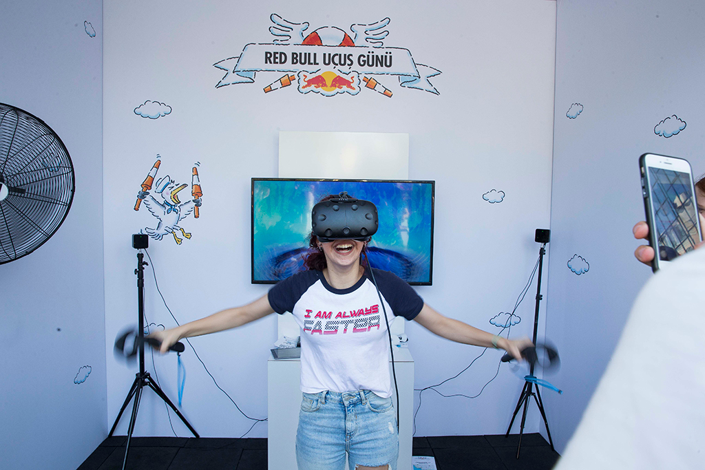 红牛飞行日大赛,VR游戏,红牛