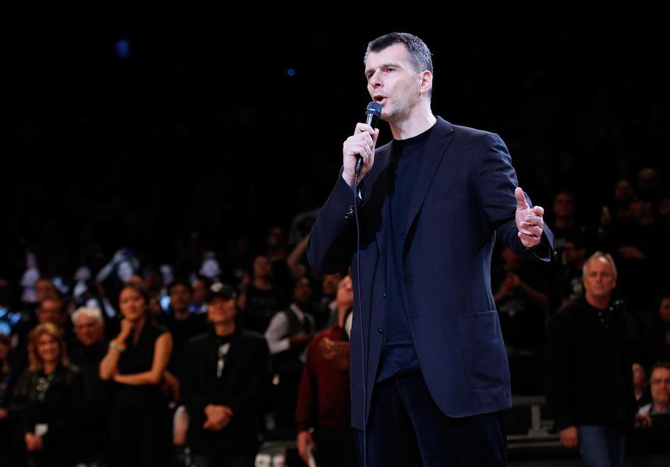 俄罗斯亿万富翁Mikhail Prokhorov宣布正在开发新VR社交平台,可举办线上音乐节