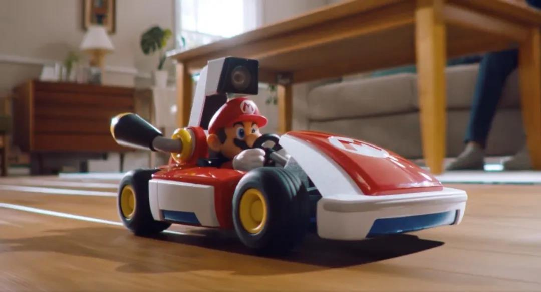 《马里奥卡丁车Live:家庭巡回赛》 :让你在家也能玩任天堂Switch的AR赛车
