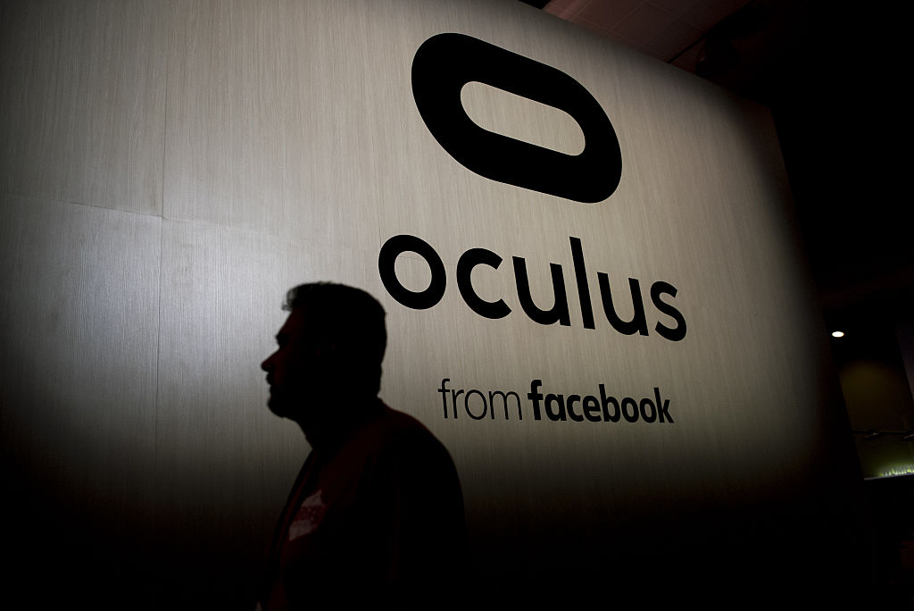 新规定要求Quest加载第三方应用需同意Oculus开发人员服务条款,并提供电话号码及付款明细等个人信息