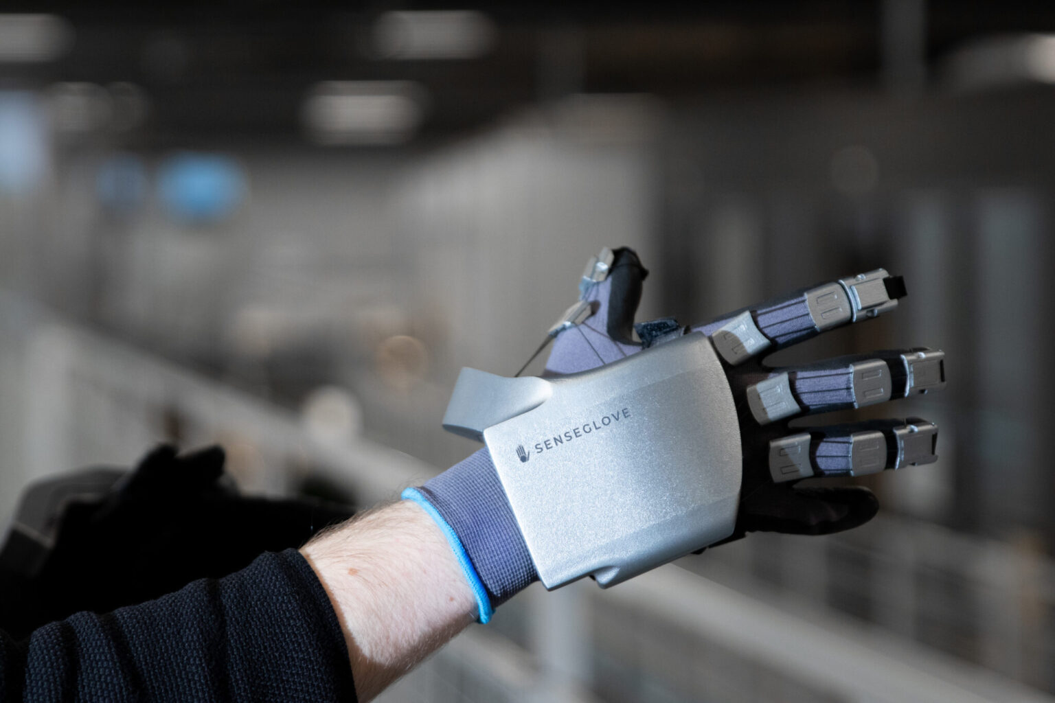 【CES 2021】SenseGlove Nova :专门用于VR培训的新型触觉手套
