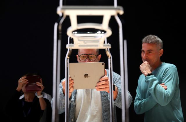 苹果硬件主管转岗,或与VR/AR头显及Apple Car项目有关