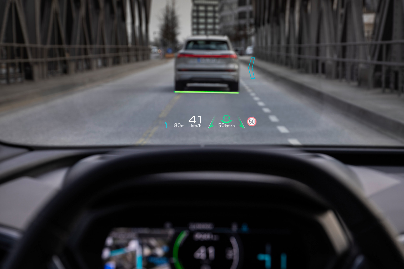 奥迪Q4 e-tron电动车将搭载动态AR HUD显示屏,可动态显示提示信息