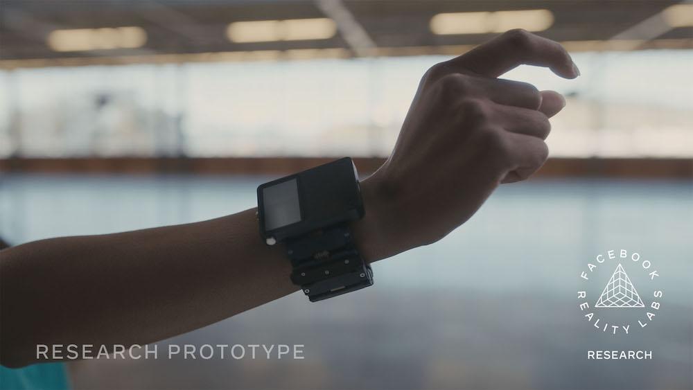 深度融合神经连接和AI识别,Facebook或将在2022年推出交互式手环Smartwatch