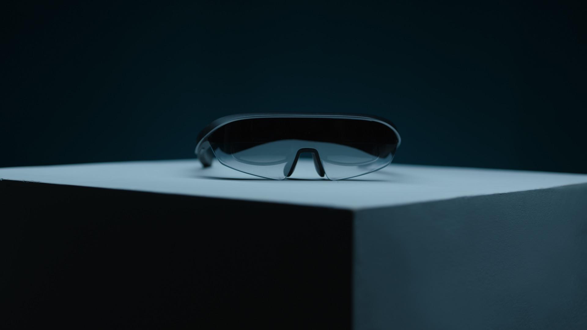 AR眼镜 EM3 STELLAR发布:53°FOV大屏、虚拟多屏会议、3D成像
