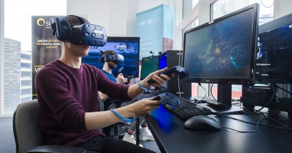 Unity与HOST合作推出VR开发远程课程